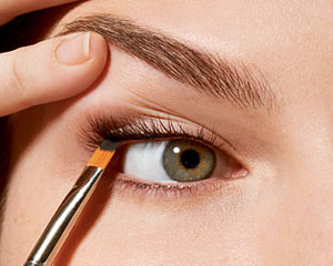 How-to-Apply-Eyeliner-–-Tips-Secrets-and-Best-Eye-Liner-Type